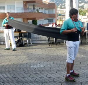 Casteller wrapping a faixa